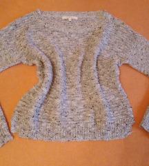 Szürke kötött pulóver