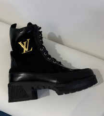 LV típusú platform fekete bakancs cipő 38