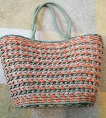 Fonott táska