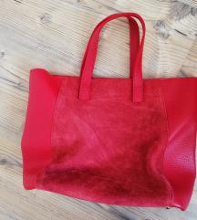 Piros puhabőr táska