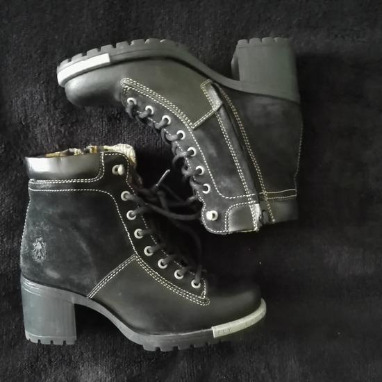 Eladó Fly London márkájú cipő