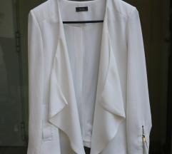 Elegáns fehér blézer