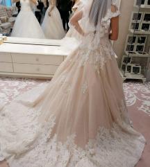 Romantikus menyasszonyi ruha