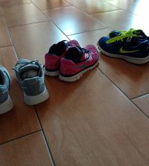 Kettő darab női nike cipő 38
