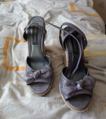 Strasszos cipő