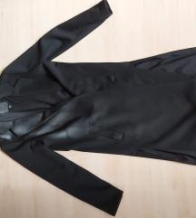 Hosszú fekete kabát