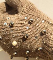 Kapacitív barna strasszos gyöngyös kötött kesztyű