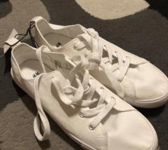 H&m fehér tornacipő
