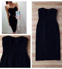 Fekete alakot kiemelő ruha