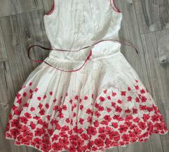 Lányka virágos ruha