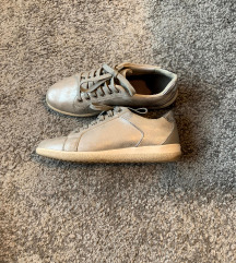 Geox ezüst tornacipő