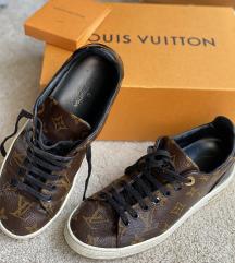 LV cipő