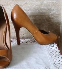 teve barna köröm cipő