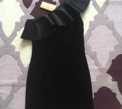 Fekete bársony H&M félvállas ruha