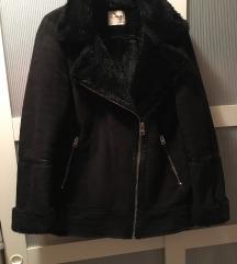 Pull&Bear fekete szorme irha kabát