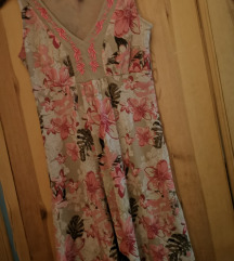 Bézs-rózsaszín szépséges virágos nyári ruha