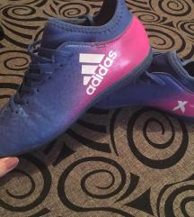 Adidas teremcipő ÚJ 25 000 Ft volt