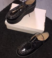Platformos fekete lakk cipő
