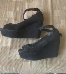 H&M fekete 38-as magasított talpú cipő