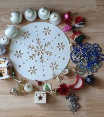 Egy rakat karácsonyi dísz