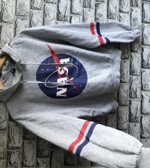 NASA kapucnis pulcsi