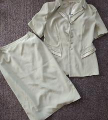 Almazöld kosztüm