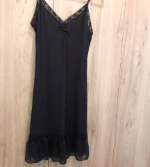 Calliope S-es csipkés fekete ruha