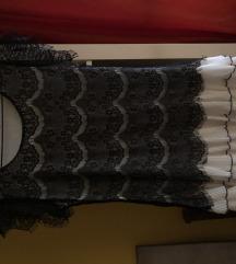 Csipkés ruha