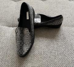 Kigyós cipő