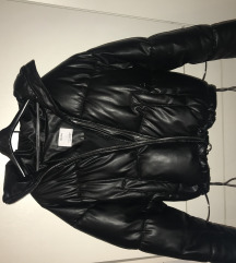 Bershka pufi kabát