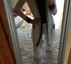 Fehér kabátka