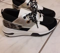 Cipő  38