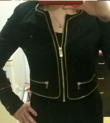 Fekete kis kabátka
