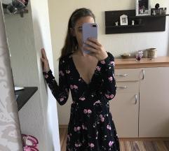 Viragos fekete ruha