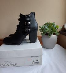 AKCIÓ! Catwalk cipő