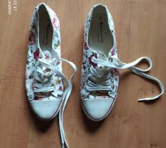 Tamaris Trend virágos tornacipő