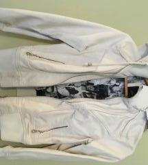 Eladó M-s méretű fehér műbőr dzseki