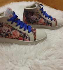 SILVIAN HEACH virágos cipő