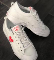 Új Adidas nizza trefoil cipő