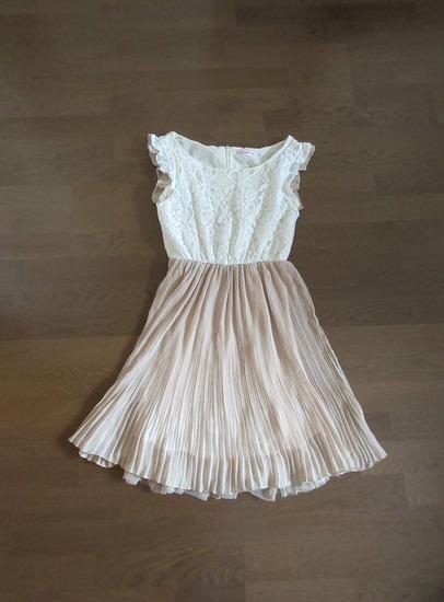 Csipkés plisszírozott alkalmi ruha XS