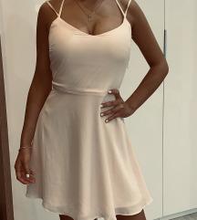 Világos rózsaszín ruha
