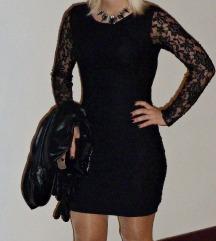 La pierre fekete, csipkés, hosszú ujjú ruha