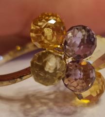 9 karátos sárga arany gyűrű csiszolt kristályokkal
