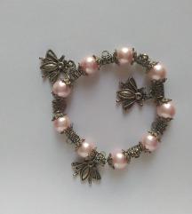 Rózsaszín karkötő