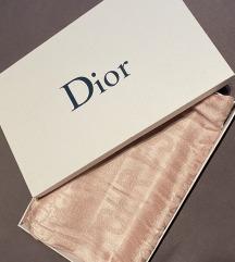Dior sál díszdobozzal