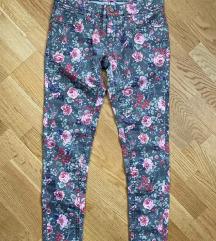 Újszerű virágos super skinny C&A nadrág 36-38