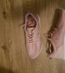 Vászon sportcipő