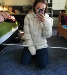 Fehér pufi kabát