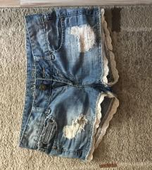Szexi csipkés amisu szaggatott rövid nadrág