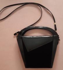 Különleges alakú táska